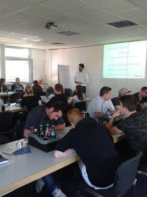 Der erste Eindruck zählt – Knigge-Seminar für die Auszubildenden der Maler- und Lackiererinnung Wesel