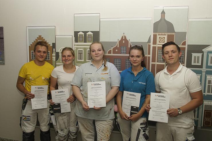 Die Teilnehmer des Praktischen Leistungswettbewerb der Maler- und Lackierer